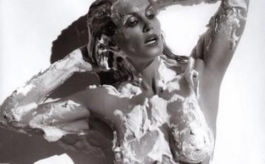 Cindy Crawford, desnuda para la revista Allure