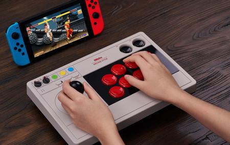 8BitDo anuncia un nuevo arcade stick de aspecto retro para Nintendo Switch y PC. Es personalizable y viene preparado para mods