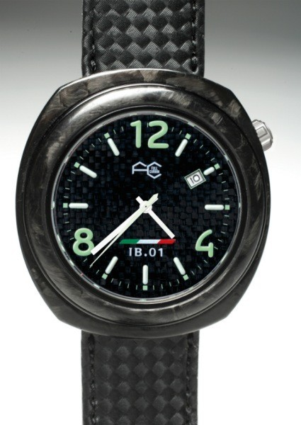 Full Carbon IB.01, un reloj robusto y ligero