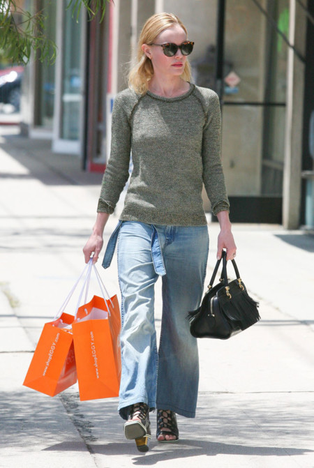 Kate Bosworth look calle Verde Khaki
