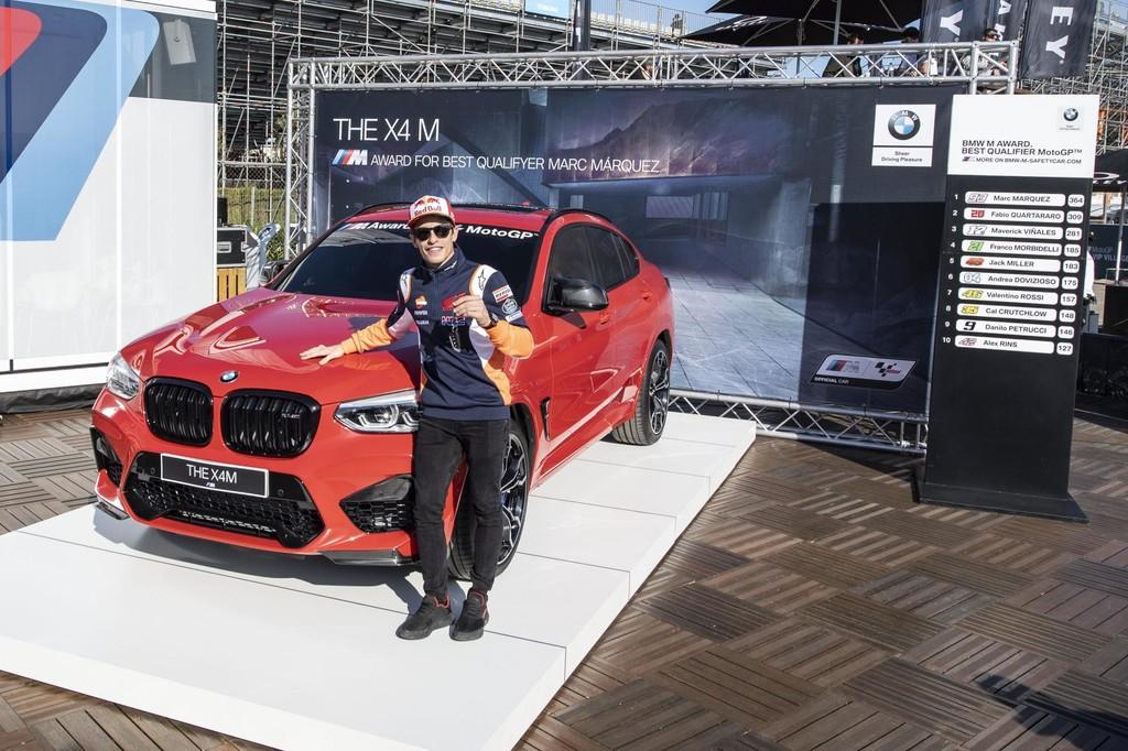 Marc Márquez sigue ganando coches por ser el rey de las poles en MotoGP: este BMW X4 M Competition con 510 CV es su último premio