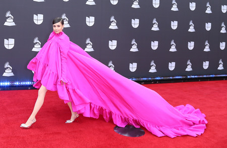 Sofia Carson grammys latinos 2019 red carpet