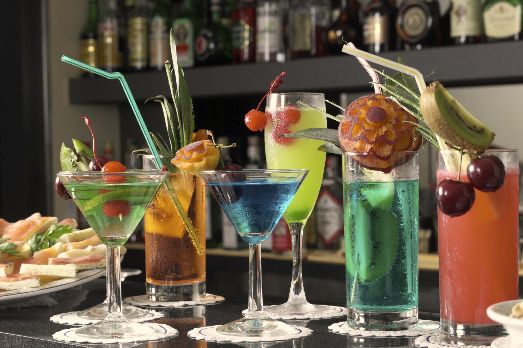13 c cteles sin alcohol para brindar en navidad for Adornos para cocteles