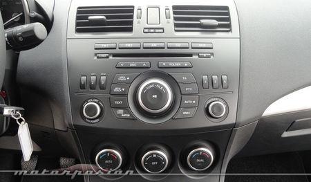 Mazda3 1.6 CRTD 115 cv consola central