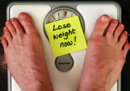 Para adelgazar unos pocos kilos de más: ¿Moverse más o comer menos?