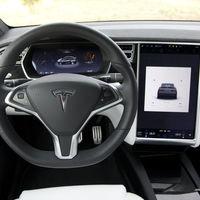 El nuevo sistema de seguridad de Tesla 'PIN to Drive' te obligará a meter una contraseña antes de conducir