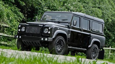 Civilizando un Land Rover Defender sin olvidar su lado agresivo