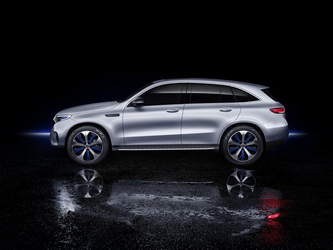 Foto de Mercedes-Benz EQC 2019 (43/74)