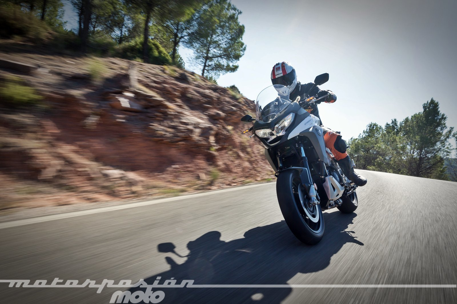Foto de Honda VFR800X Crossrunner - Acción (19/23)