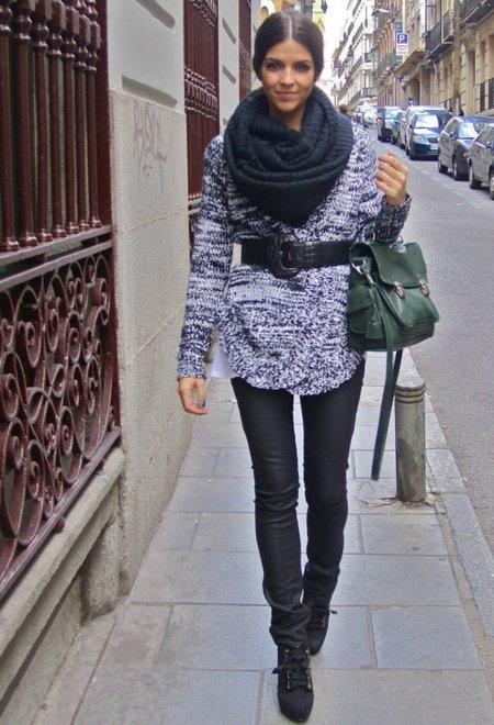 Con el cuello bien cubierto: las bufandas cerradas son las reinas del invierno