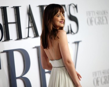 Y en la lista de infancias turbias y chungas, la de Dakota Johnson
