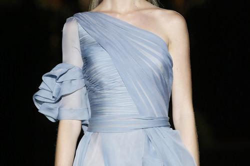 Hannibal Laguna tiene en su colección 2020 los looks de invitada perfecta para las bodas con más glamour