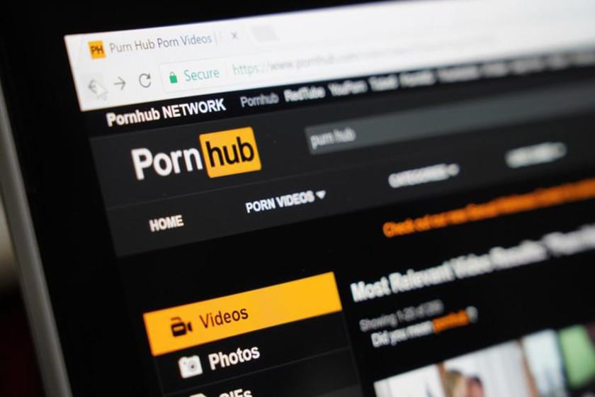 Reino Unido intentó limitar el acceso al porno online. Spoiler: sale mal