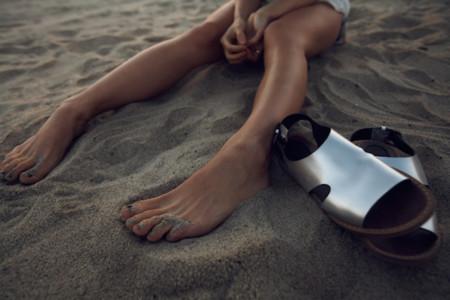 Clonados y pillados: el espíritu Marni invade los zapatos de Zara