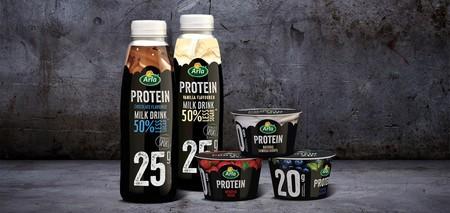 Analizamos los nuevos productos de proteína de Arla: cuáles son sus valores nutricionales, cuánta proteína incluyen y si merece la pena comprarlos