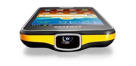 Samsung Galaxy Beam, un teléfono inteligente y con proyector