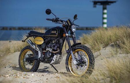 ¡Nostálgica! Bullit Motorcycles le da un aire retro a su Hero 125 pintándola de negro y dorado