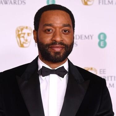 Los hombres mejor vestidos de la gala presencial y virtual de los premios BAFTA 2021