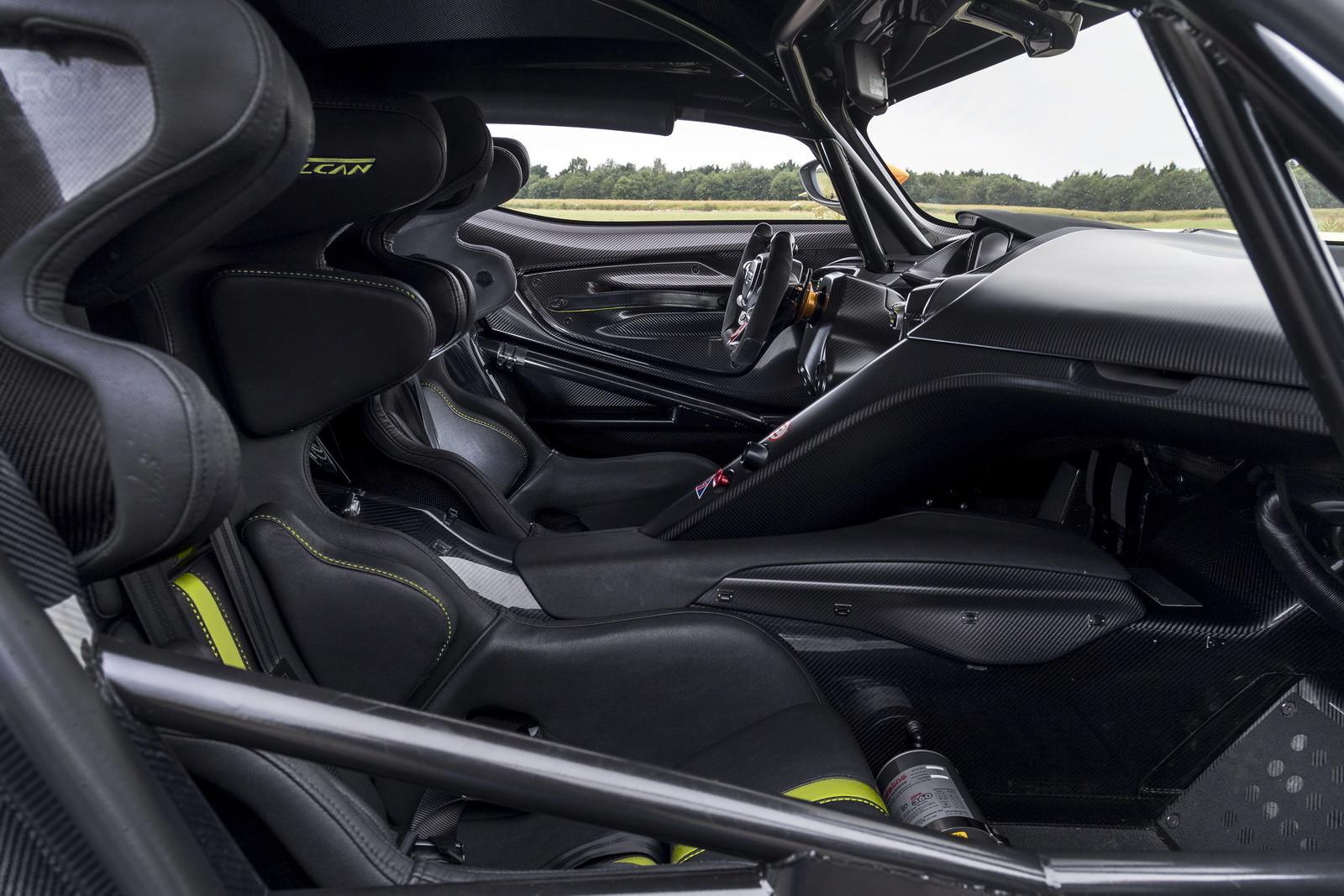 Foto de Aston Martin Vulcan AMR Pro (2/17)
