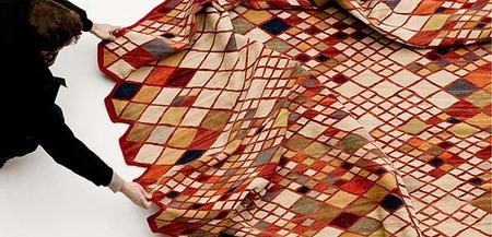 Nani Marquina diseña una alfombra con cogedor [Inocentada 28 diciembre]