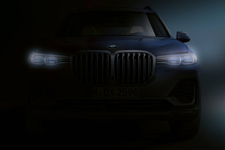 El nuevo BMW X7 deja ver su imponente frontal, horas antes de su estreno oficial