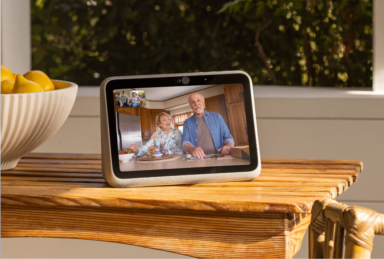 Facebook presenta Portal Go, su nuevo dispositivo para videollamadas se libra de los cables para ser más tablet que altavoz inteligente