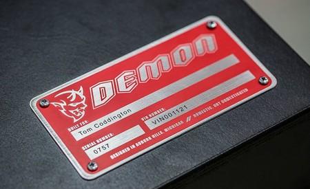 ¡El cuarto teaser! El Dodge Challenger Demon será un monoplaza muy candente de tracción trasera