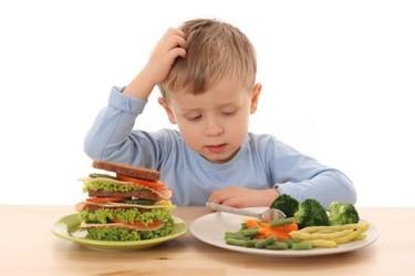 Consejos de alimentación para niños con sobrepeso