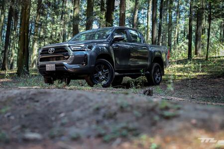 """Estas son algunas de las grandes hazañas que ha logrado """"La Indestructible"""" Toyota Hilux"""