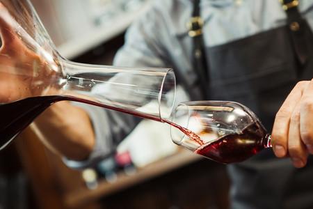 Disfrutar del vino en casa: todo lo que necesitas para ser casi un sumiller en tu hogar