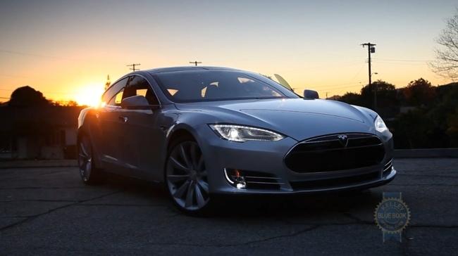 Tesla Model S Kelley Blue Book video review