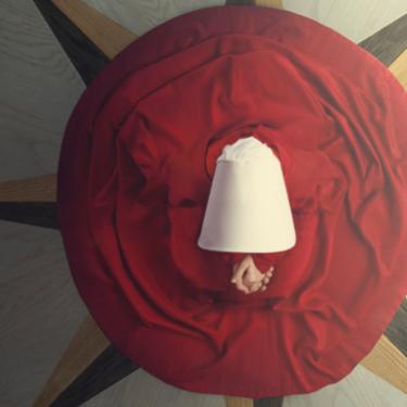 Las cinco claves por las que nos parece tan increíble 'El cuento de la criada'