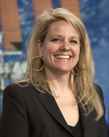 Gwynne Shotwell At Pre Launch Briefing For Crs 2 Mission Ksc 2013 1704