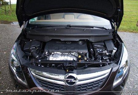 Opel-Zafira-Tourer-25