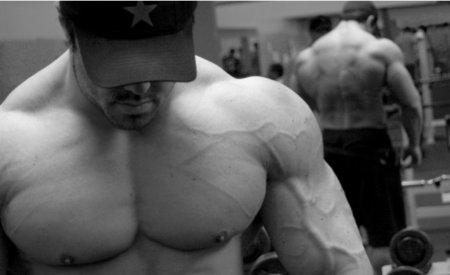 Dejar de comer, una mala idea para definir músculo