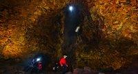 Viaje a los profundidades de un volcán en Islandia