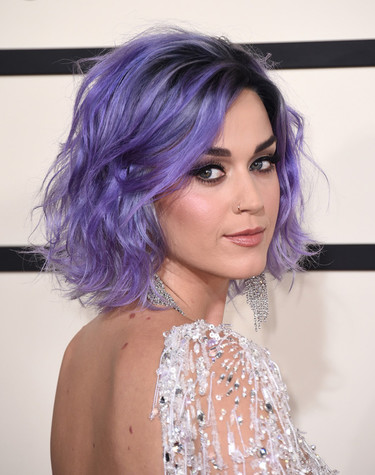 Las transparencias de Katy Perry o cómo vestirse de flapper en los Grammy 2015