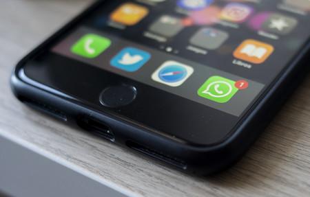 Facebook confirma que la publicidad llegará a WhatsApp a principios de 2019, aunque los chats están a salvo