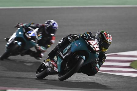 Darryn Binder lidera otra sesión en la que los equipos de Moto3 se liaron con lo de sumar y restar