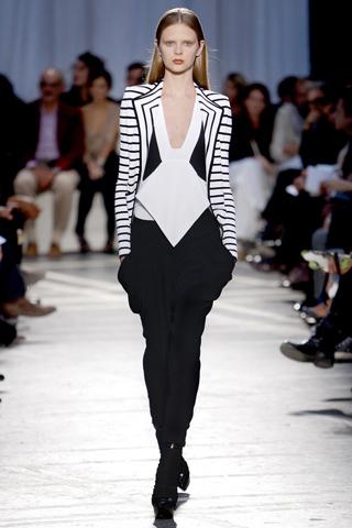 Givenchy Primavera-Verano 2010 en la Semana de la Moda de París