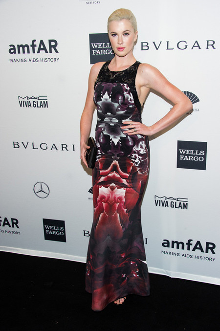 amfar-2014-look-celebrity_ireland_baldwin