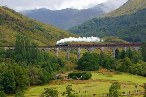 Compañeros de ruta: del tren de Harry Potter al Caminito del Rey, seguimos buscando viajes