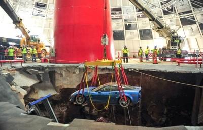 Algunos Corvette del socavón del museo Corvette se restaurarán y otros no