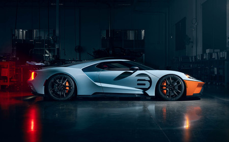 Ford GT 2020 Gulf Heritage Edition