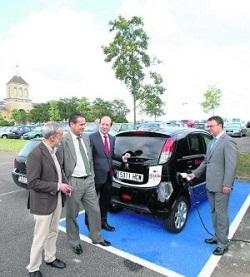Los coches eléctricos del Ayuntamiento de Gijón ahorran una tonelada de CO₂ en dos meses