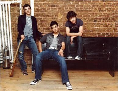 ¿Quién se cree la virginidad de los Jonas Brothers?