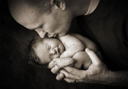 """""""Ahora me voy a dormir"""", desgararradoras pero emotivas fotografías de padres con sus bebés nacidos sin vida"""