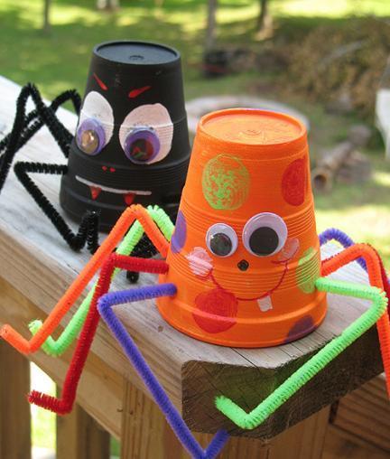 Simpáticas arañas de Halloween para hacer con los niños