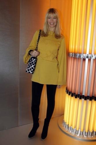 Claudia Schiffer en el front row de Chanel Alta Costura: ¿un look con clase?