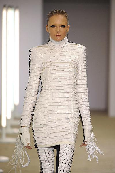 Foto de Gareth Pugh en la Semana de la Moda de París Primavera-Verano 2009 (17/28)